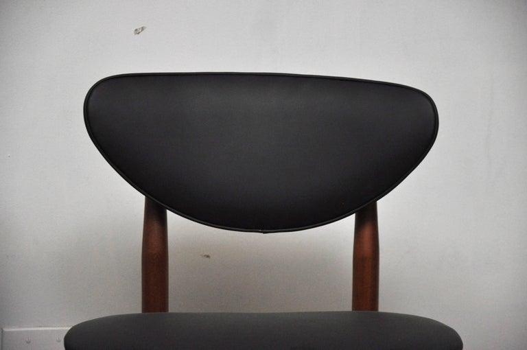 Danish Pair of Finn Juhl NV-55 Dining Chairs For Sale