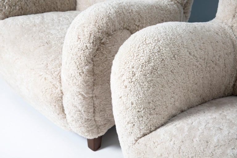 Pair of Flemming Lassen Style 1940s Sheepskin Armchairs In Excellent Condition For Sale In London, GB