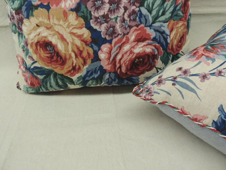 Machine-Made Pair of Floral Orange and Red Cabbage Roses Linen Decorative Pillows For Sale