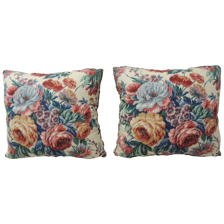 Pair of Floral Orange and Red Cabbage Roses Linen Decorative Pillows For Sale
