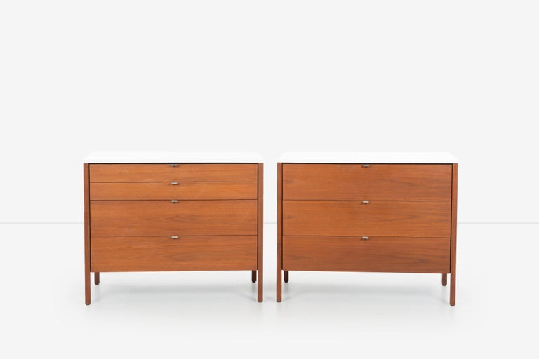 Mid-Century Modern Pair of Florence Knoll 4-Drawer Dressers For Sale