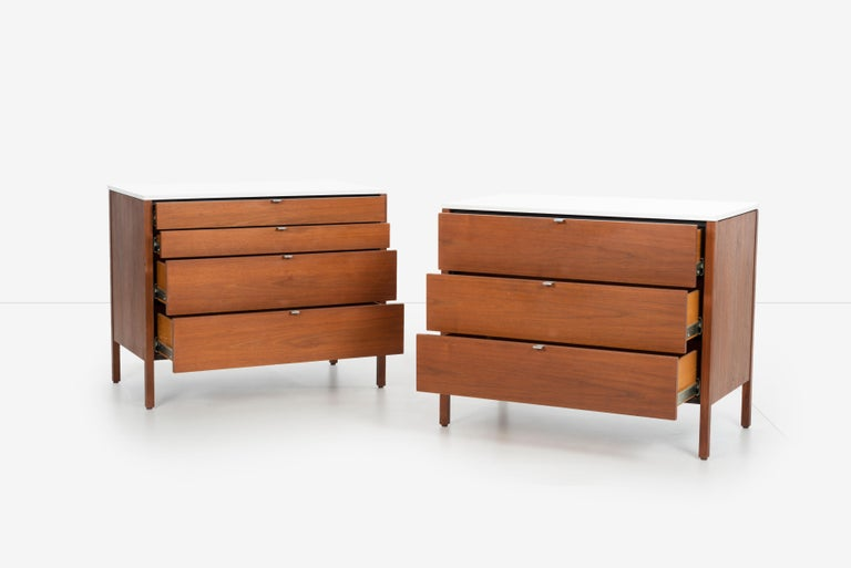 Mid-20th Century Pair of Florence Knoll 4-Drawer Dressers For Sale