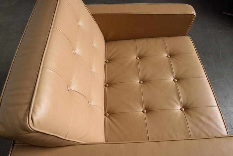 Pair of Florence Knoll Leather Lounge Chairs for Knoll Studio, Signed  For Sale 11
