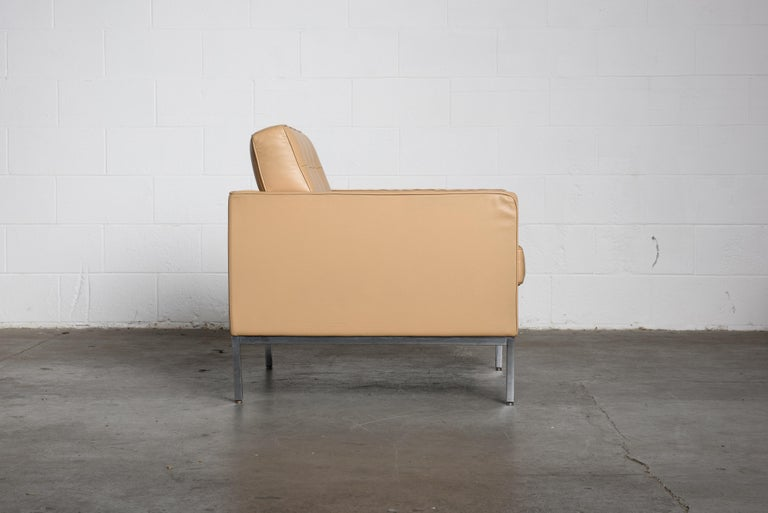 Pair of Florence Knoll Leather Lounge Chairs for Knoll Studio, Signed  For Sale 1