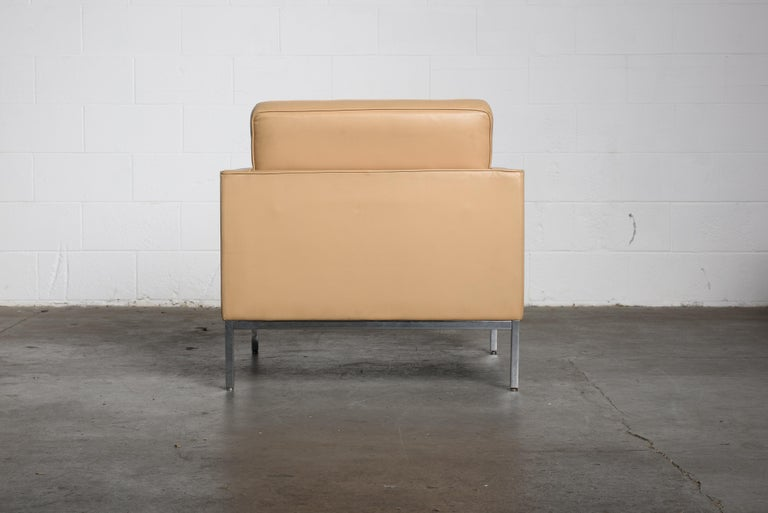 Pair of Florence Knoll Leather Lounge Chairs for Knoll Studio, Signed  For Sale 2