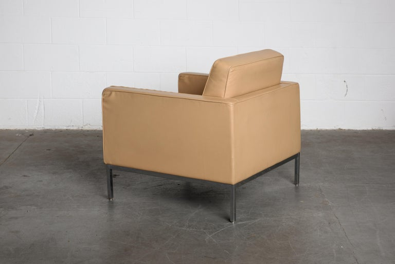 Pair of Florence Knoll Leather Lounge Chairs for Knoll Studio, Signed  For Sale 3