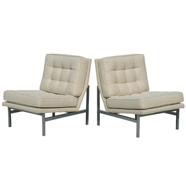 Pair of restored Florence Knoll lounge chairs from 1950s