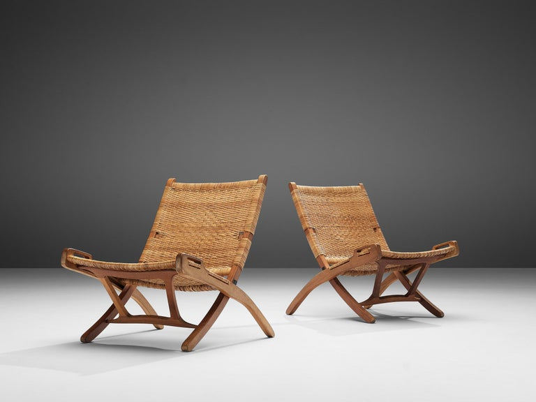 Scandinavian Modern Pair of Folding Chairs in Wicker and Wood