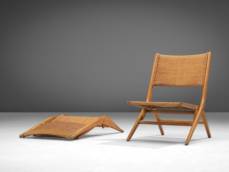 Mid-20th Century Pair of Folding Woven Slipper Chairs in Beech For Sale