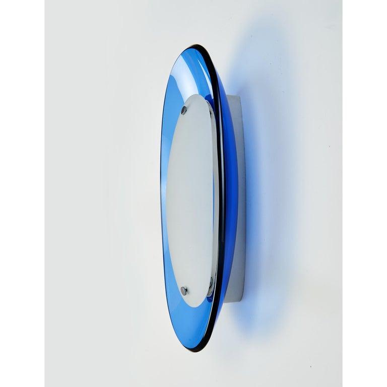 Mid-Century Modern Pair of Fontana Arte Blue Glass Oval Sconces, 1960s For Sale
