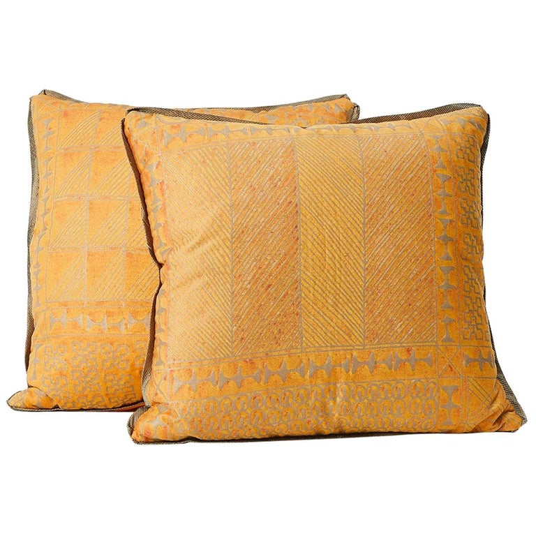 Pair of Fortuny Fabric Cushions in the Ashanti Pattern For Sale