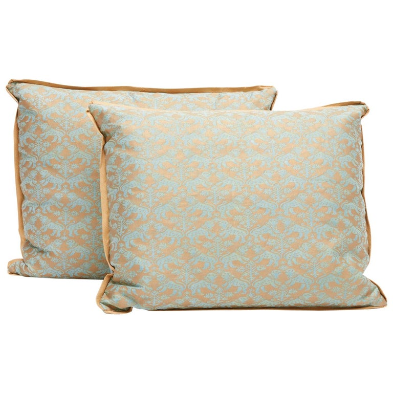 Pair of Fortuny Fabric Cushions in the Richelieu Pattern For Sale