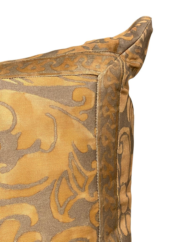 Pair of Fortuny Pillows In Good Condition For Sale In Essex, MA