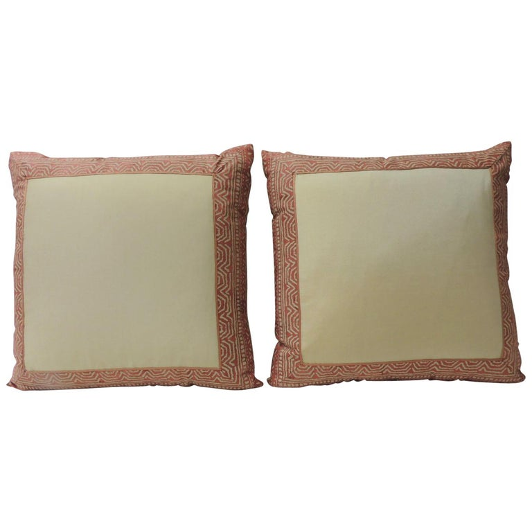 Pair of Fortuny Pink Tapa Border Decorative Pillows For Sale