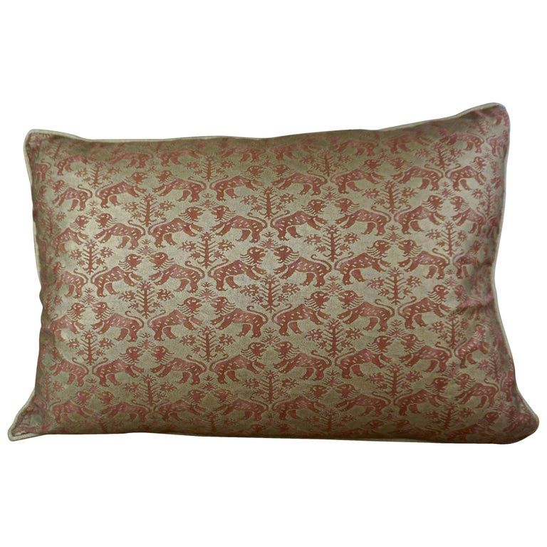 Pair of Fortuny Textile Accent Pillows For Sale
