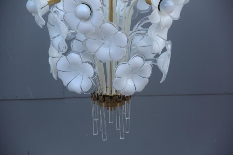 Pair of Franco Luce Italian Chandelier  Murano Glass Gold  White Flowers 1970 In Excellent Condition For Sale In Palermo, Sicily