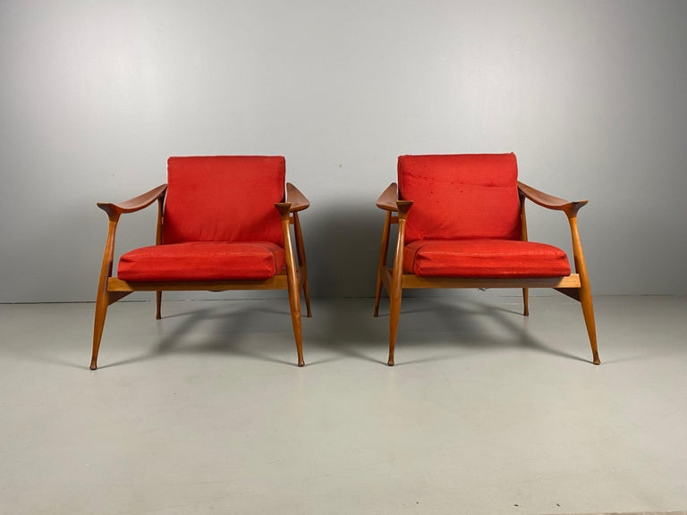 Fratelli Reguitti, pair of 'Lord' armchairs, walnut, red fabric upholstery, Italy, 1959.