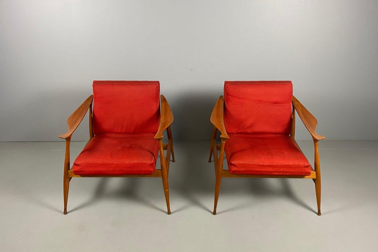 Mid-Century Modern Pair of Fratelli Reguitti 'Lord' Armchairs For Sale