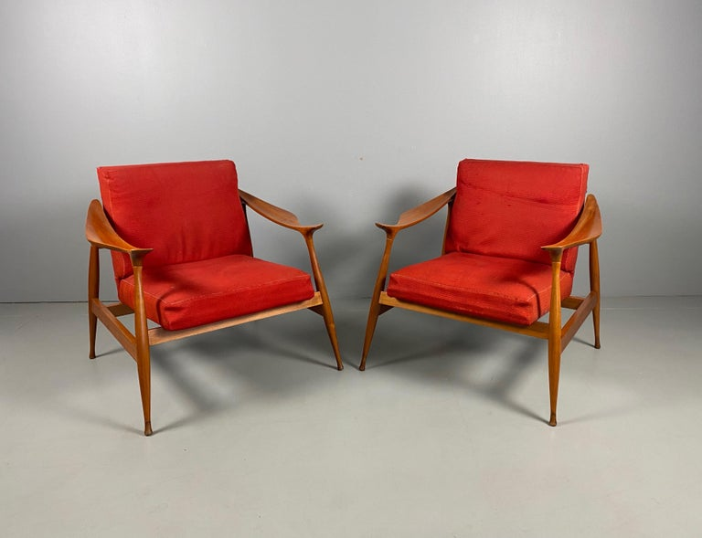 Pair of Fratelli Reguitti 'Lord' Armchairs In Good Condition For Sale In Rovereta, SM