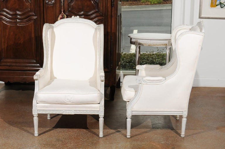 Pair of French 1890s Louis XVI Style Painted Wood Bergère Chairs with Upholstery For Sale 3
