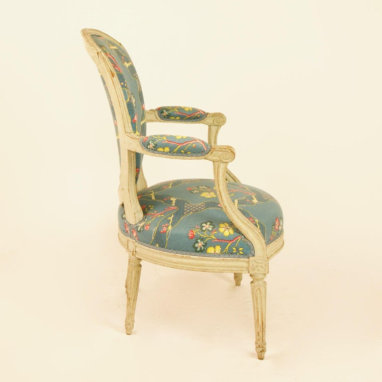 Pair of French 18th Century Louis XVI Painted Wood Armchairs by George Jacob In Good Condition For Sale In Berlin, DE