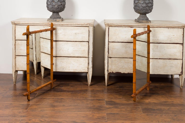 Pair of French 1900s Faux Bamboo Rectangular Mirrors with Protruding Corners For Sale 5