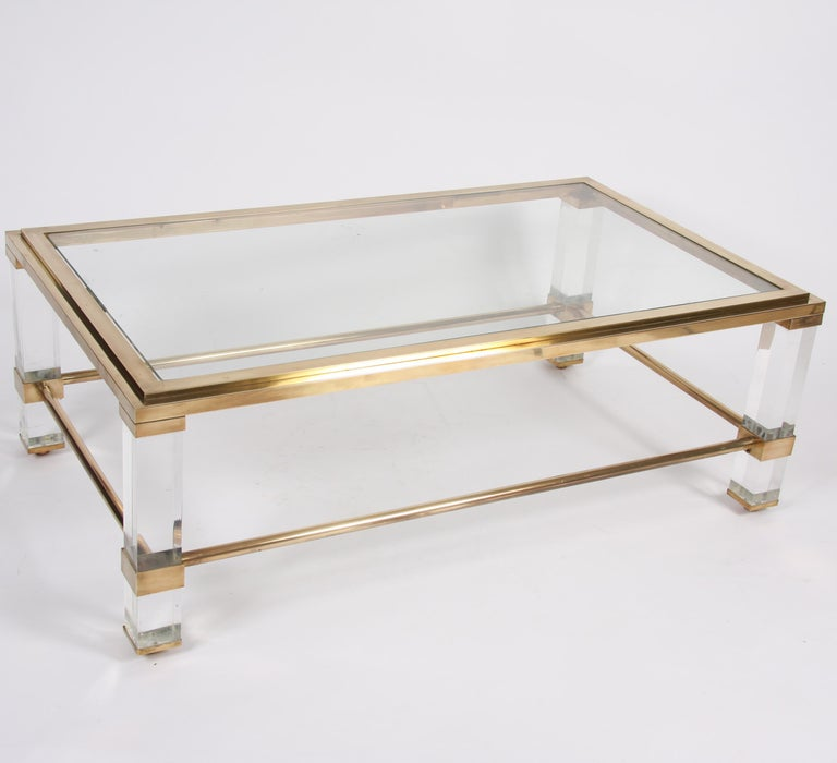 Mid-20th Century Pair of French 1960s Brass and Lucite Tables For Sale