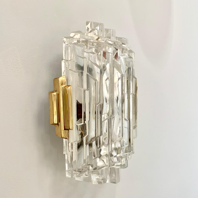 Mid-Century Modern Pair of French 1970s Ice Crystal Wall Lights For Sale