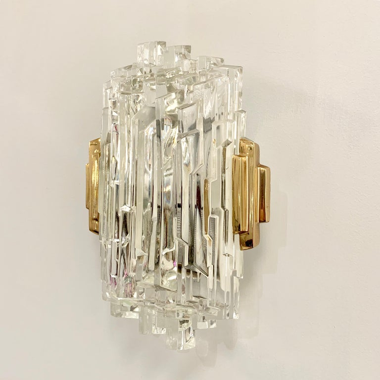 Late 20th Century Pair of French 1970s Ice Crystal Wall Lights For Sale