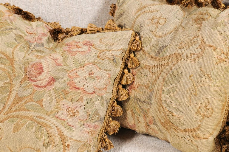 Pair of French 19th Century Aubusson Woven Tapestry Pillow with Floral Décor For Sale 10