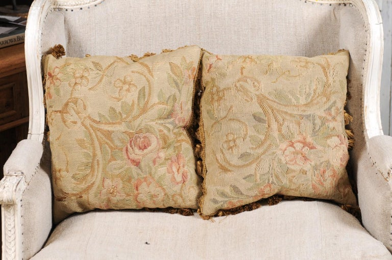 Pair of French 19th Century Aubusson Woven Tapestry Pillow with Floral Décor In Good Condition For Sale In Atlanta, GA