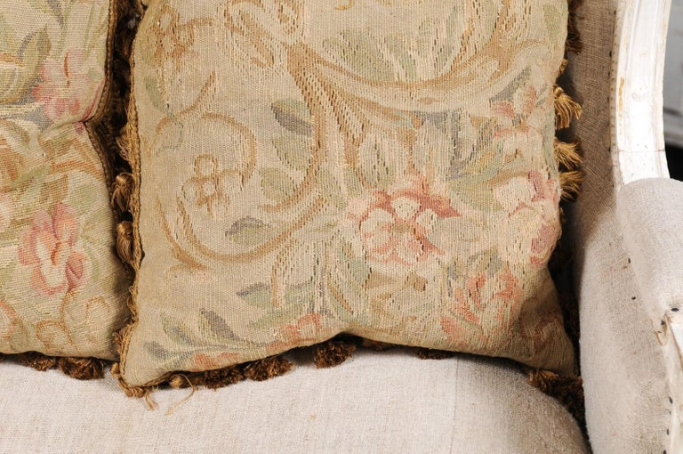 Pair of French 19th Century Aubusson Woven Tapestry Pillow with Floral Décor For Sale 1