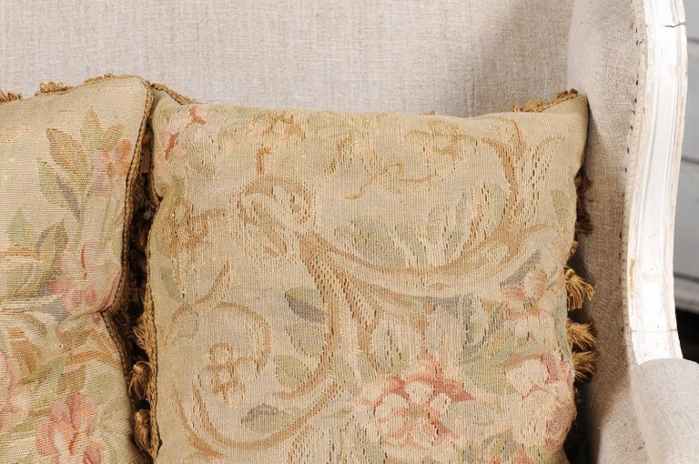 Pair of French 19th Century Aubusson Woven Tapestry Pillow with Floral Décor For Sale 2