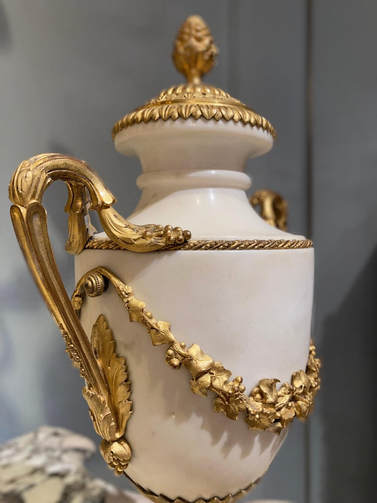 Louis XVI Pair of French 19th Century Carrara Marble and Gilt Bronze Urns For Sale