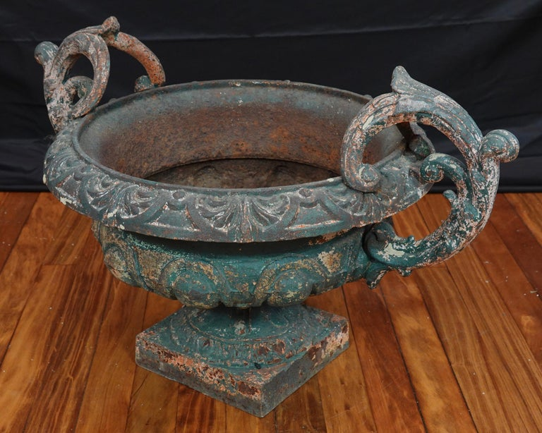 Pair of French 19th Century Cast Iron Garden Urns with Handles For Sale 8