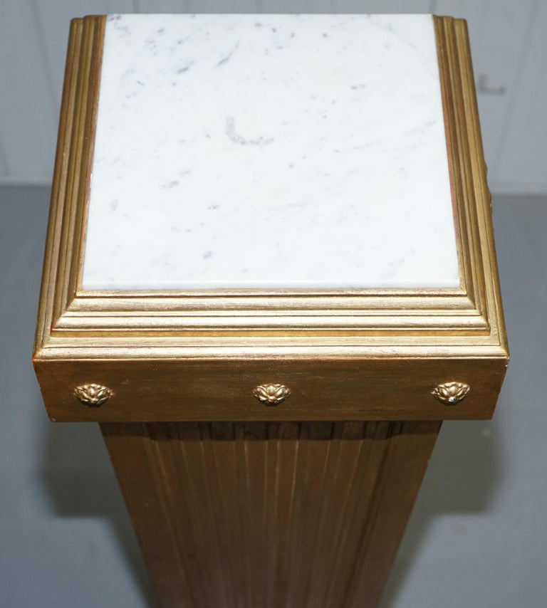 Pair of French 19th Century Giltwood Louis XVI Carrara Marble Pedestal Columns For Sale 6
