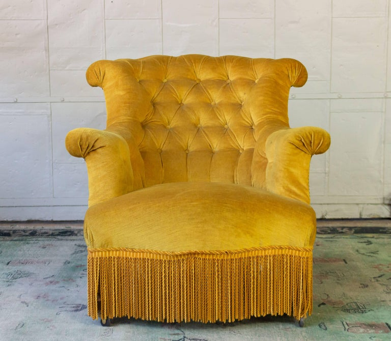 Napoleon III Pair of French 19th Century Gold Velvet Armchairs For Sale