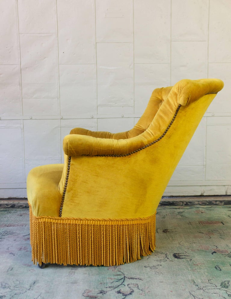 Fabric Pair of French 19th Century Gold Velvet Armchairs For Sale