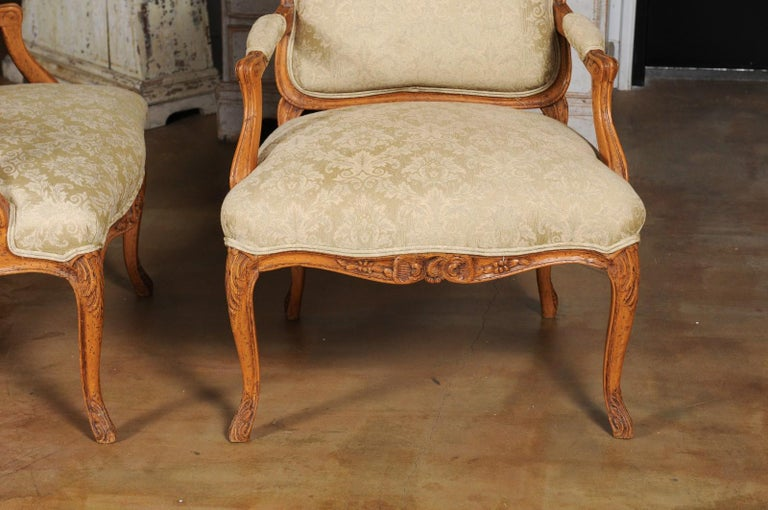 Pair of French 19th Century Louis XV Style Walnut Fauteuils with New Upholstery For Sale 4