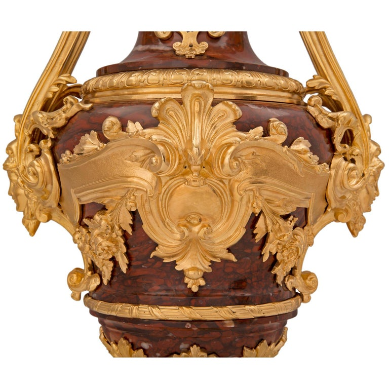 Pair of French 19th Century Louis XVI St. Belle Époque Period Urns For Sale 4