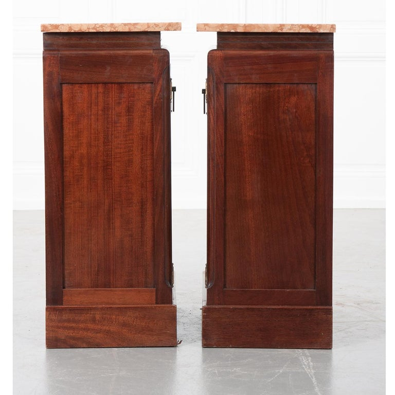 Pair of French 20th Century Art Deco Bedside Cabinets In Good Condition For Sale In Baton Rouge, LA