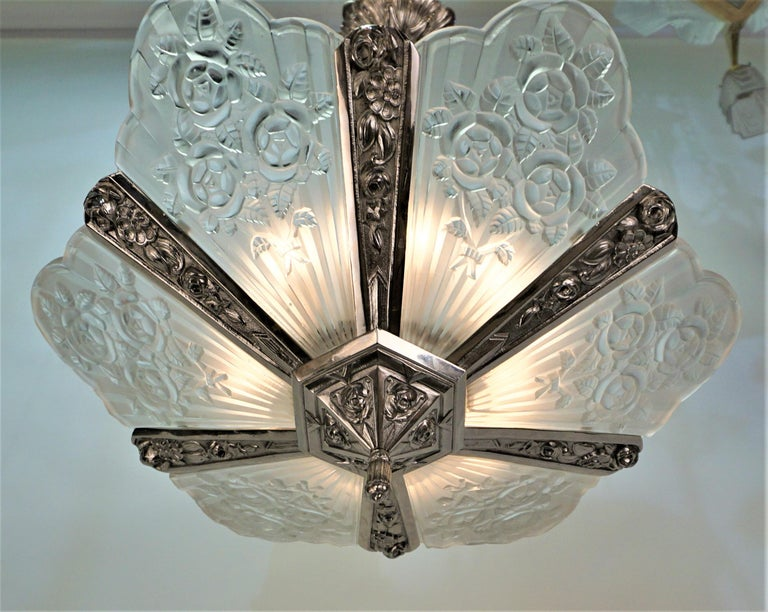 Mid-20th Century Pair of French Art Deco Chandelier by Pierre Gilles For Sale