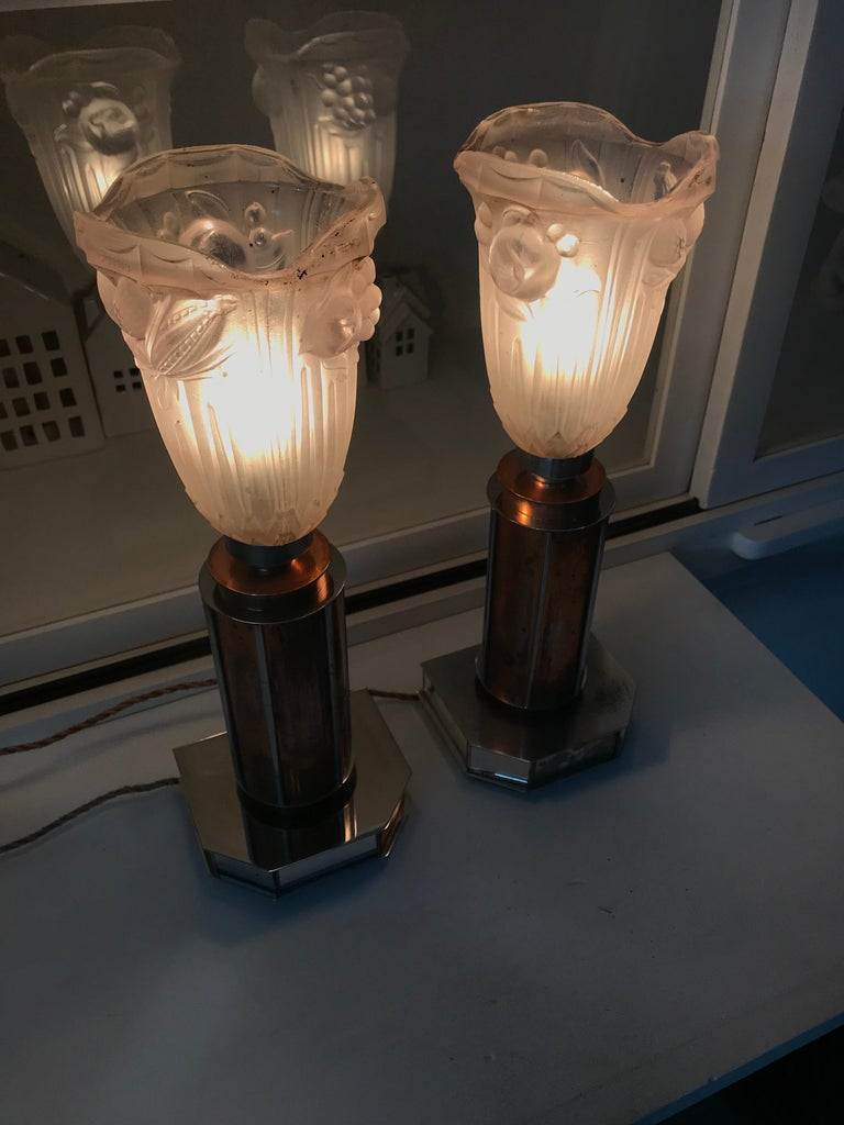 20th Century Pair of French Art Deco/Modernist Chrome & Copper Table Lamps with Glass Shades For Sale