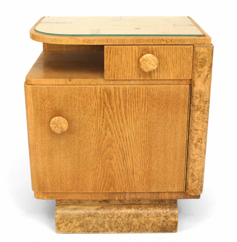 Pair of French Art Deco Oak and Burl Wood Nightstands In Good Condition For Sale In New York, NY