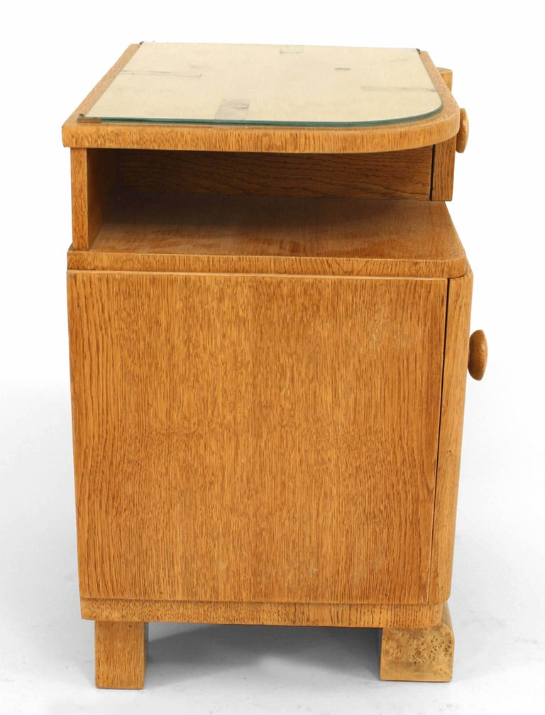 Pair of French Art Deco Oak and Burl Wood Nightstands For Sale 3