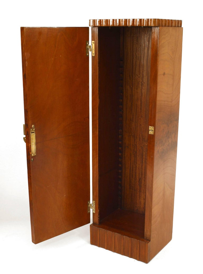 Pair of French Art Deco Pedestals Cabinets In Good Condition For Sale In New York, NY