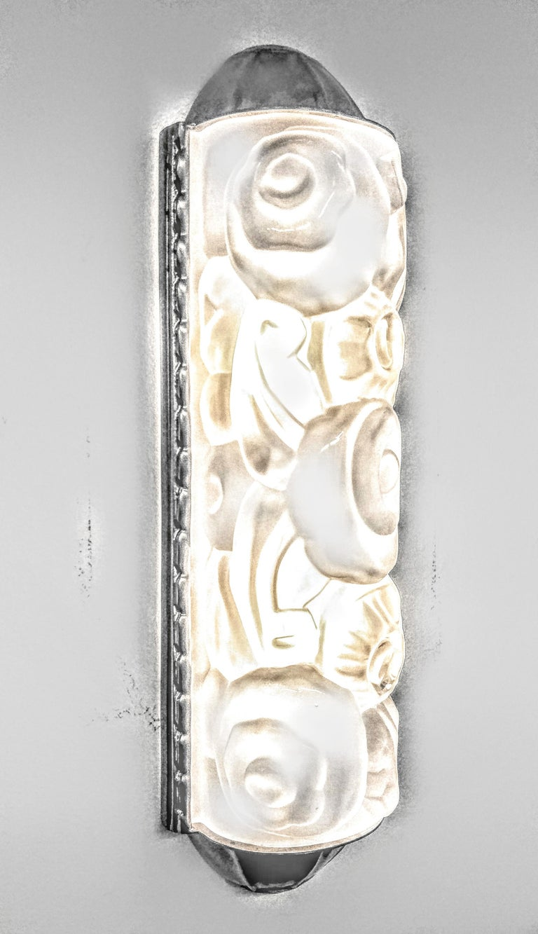 Glass Pair of French Art Deco Wall Sconces by Genet et Michon For Sale