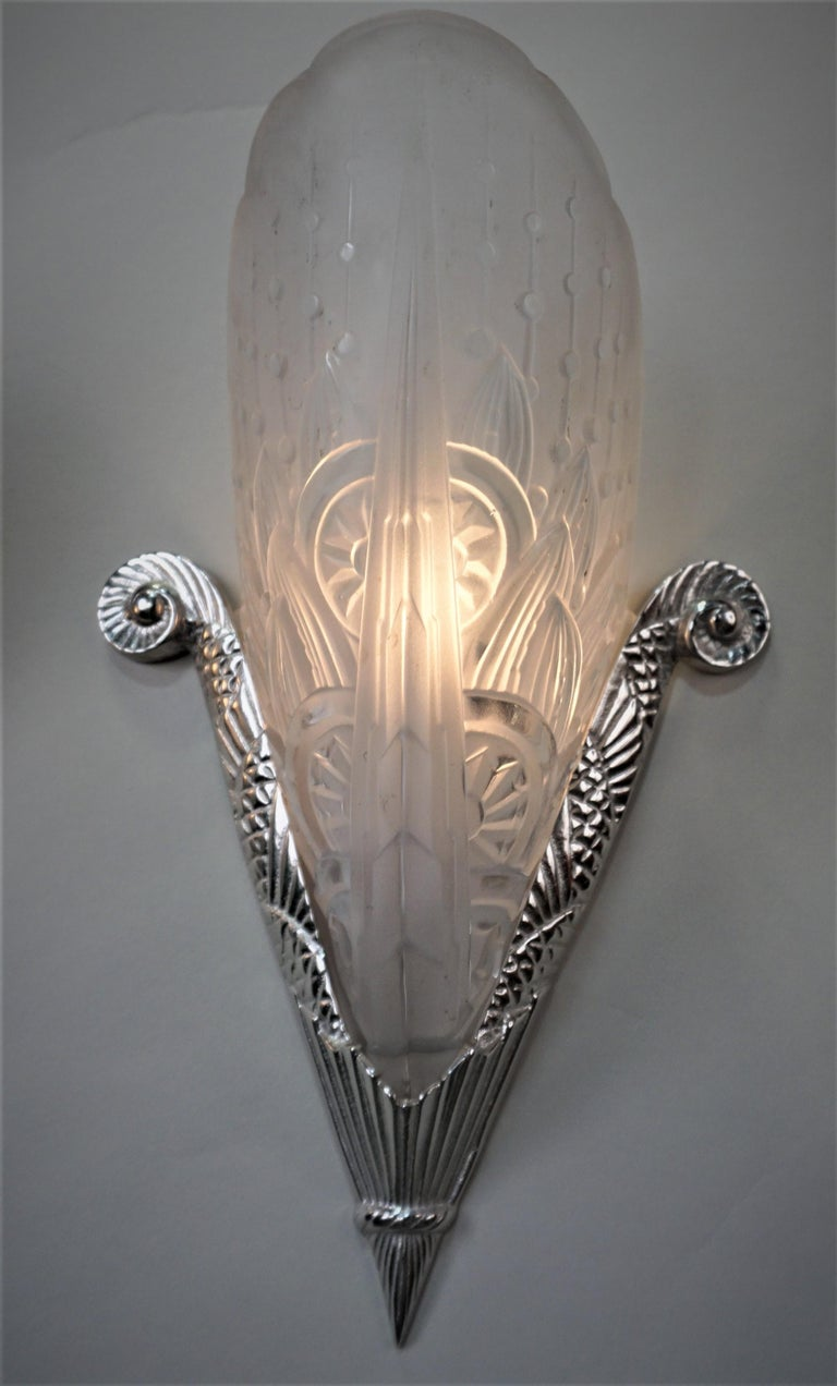 Early 20th Century Pair of French Art Deco Wall Sconces by Lorraine Nancy For Sale