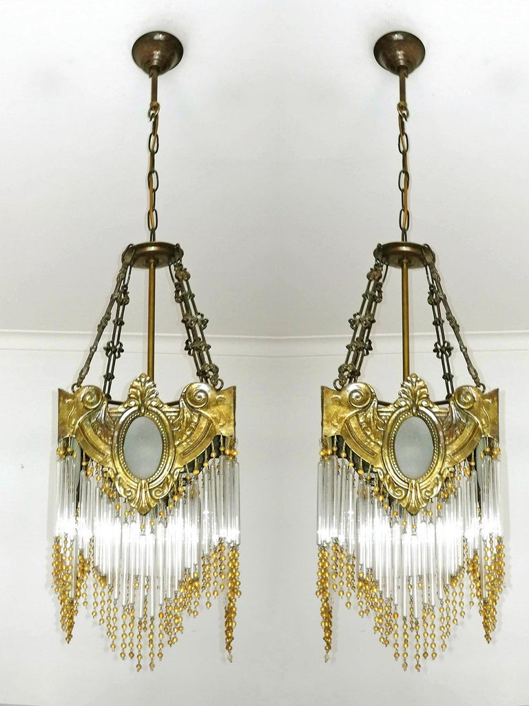 Pair of French Art Nouveau Art Deco Gilt Bronze Amber Beaded Fringe Chandeliers In Good Condition For Sale In Coimbra, PT