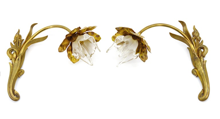 Pair of French Art Nouveau Iris Wall Sconces, circa 1900 For Sale 1